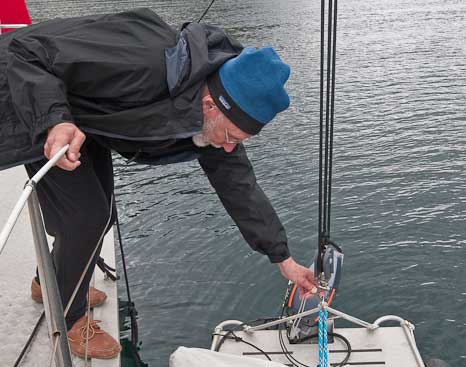 launching-Dinghy-on-Wind-Horse-41