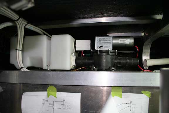 aft-toilet-vacuum-tank-