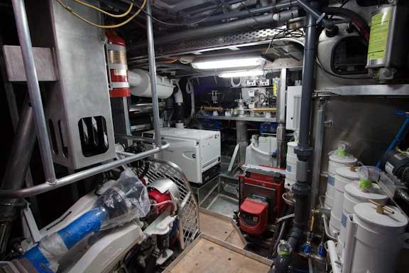 FPB-64-Engine-room-Nov-20-09-102