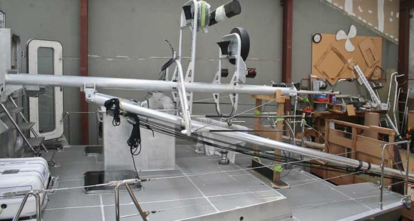FPB 64 3hinged masts 102