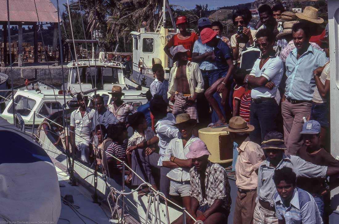 Intermezzo Arriving Rodrigue Indian Ocean100